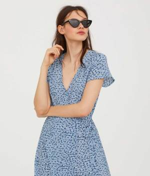 Patterned wrap dress front