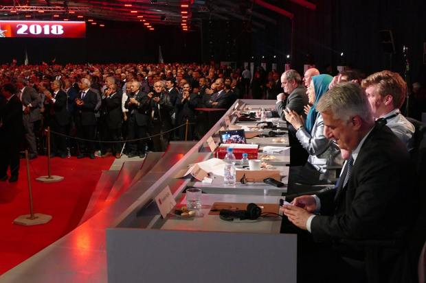 Speakers Demonstrate Support for Iranian Resistance