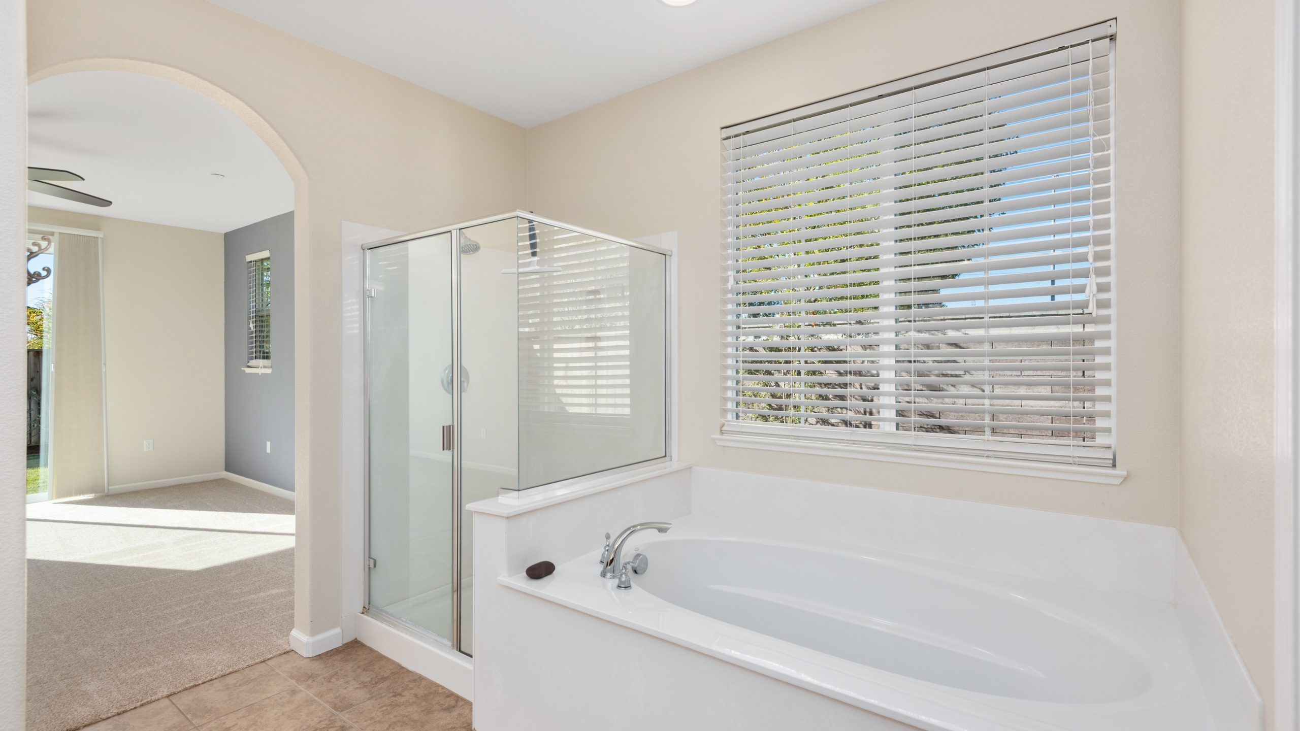 8373-Brookhaven-Circle-Discovery-Bay-19-of-42-1541610490