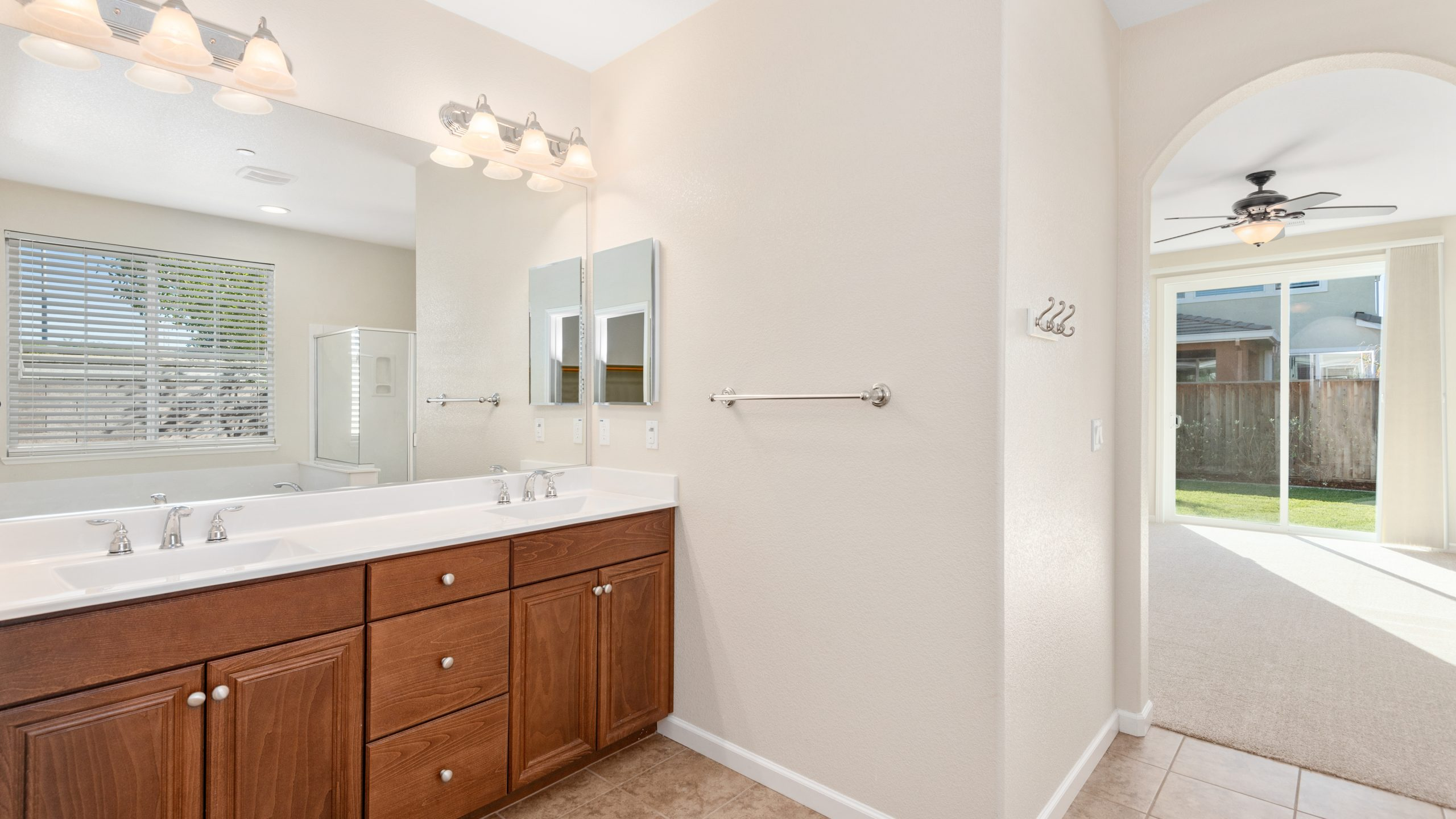 8373-Brookhaven-Circle-Discovery-Bay-21-of-42-1541610498