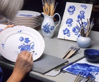 craftmanship-hand-paint-blue-flower-jpg_jpg-1