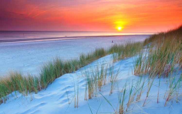 Dreamy Girl Wallpapers Beach Sunset Windows 10 Theme Themepack Me