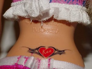 2009_0306_tatoobarbie1