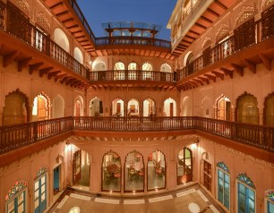 15 Panoramic view of courtyard