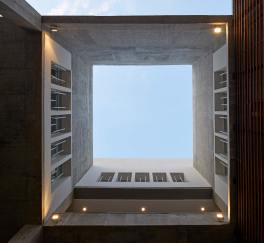 12_THE-COURTYARDS-ALLOW-THE-BUILDING-TO-BREATHE-FROM-WITHIN