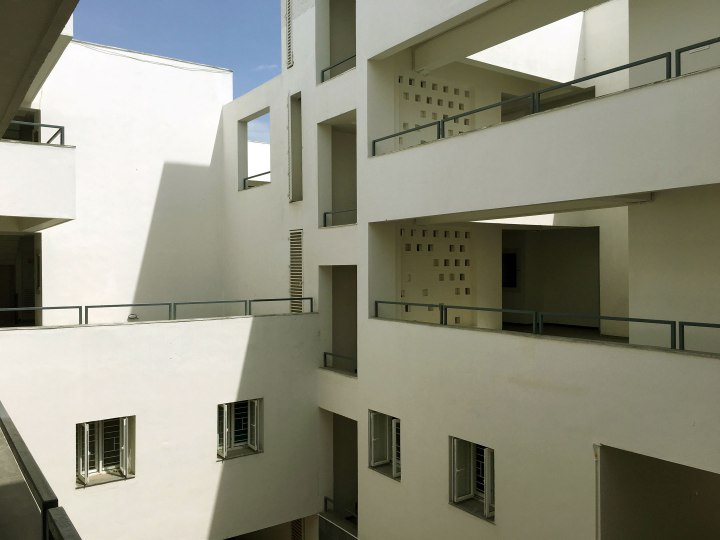 09_RELATIONSHIP-OF-TERRACES,-CORRIDORS-AND-STAIRS-AROUND-COURTYARDS