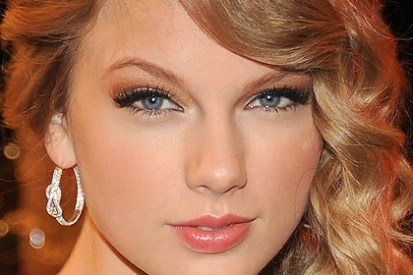 Bronze eye makeup - a fairly natural look