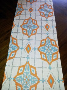 Table runner, by MyModernHome on etsy.com