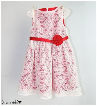 Flower girl dress, by OsEstorninhos on etsy.com