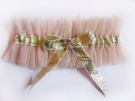 Garter, by Lalilouche on etsy.com