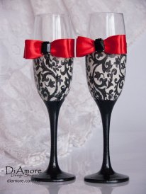 Champagne flutes, by DiAmoreDS on etsy.com