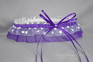 Garter, by sugarplumgarters on etsy.com