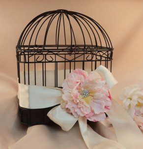 Birdcage wedding card holder, by RomancingJuliet on etsy.com