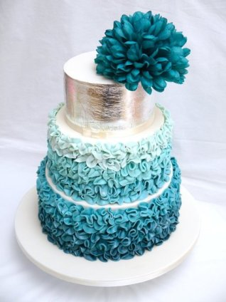 Teal ruffle cake {via cakesdecor.com}