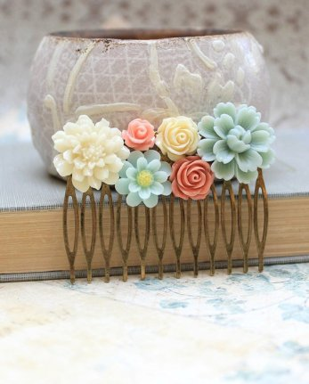 Hair comb, by apocketofposies on etsy.com