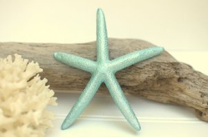 Aqua starfish table decor, by BeachyChicDecor on etsy.com