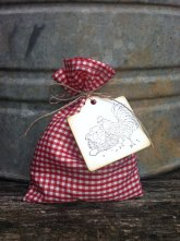 Gingham wedding favour bags, by DaisyDazeDesign on etsy.com