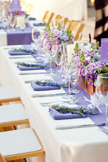 Table setting inspiration {via frostedpetticoatblog.com}