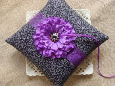 Black, white and purple ring pillow - www.etsy.com/shop/crafting4u