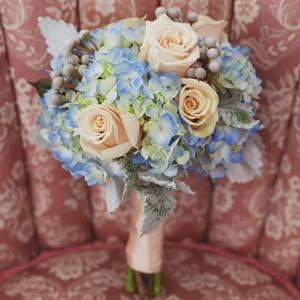 Peach and light blue wedding bouquet inspiration {via theknot.com}