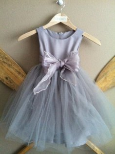 Grey flower girl dress - www.etsy.com/shop/jimandbettys
