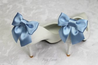 Cornflower blue bow shoe clips - www.etsy.com/shop/bouquetbyrosaloren
