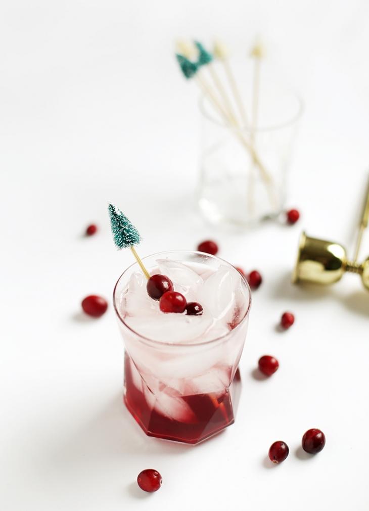 Un idea per decorare i bicchieri a natale la stanza vuota for Decorare stanza natale