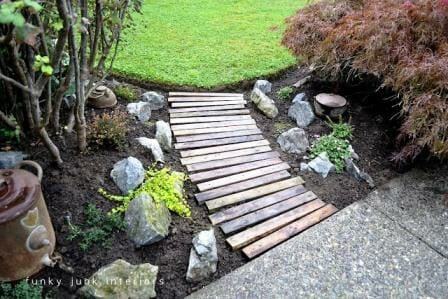 20 Creative Ways To Upcycle Pallets In Your Garden The Micro