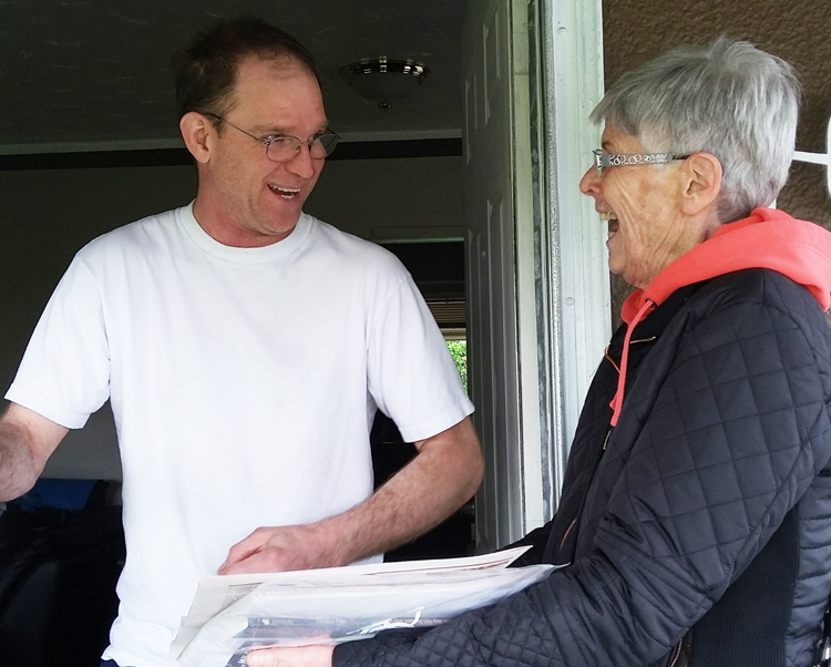 Mechanic Corey Whiteloch in Surrey, suburb of Vancouver, British Columbia, is one of many new Militant readers. He signed up when Lynda Little knocked on his door April 14, and got Are They Rich Because They're Smart? by Jack Barnes, contributed to Militant Fighting Fund.