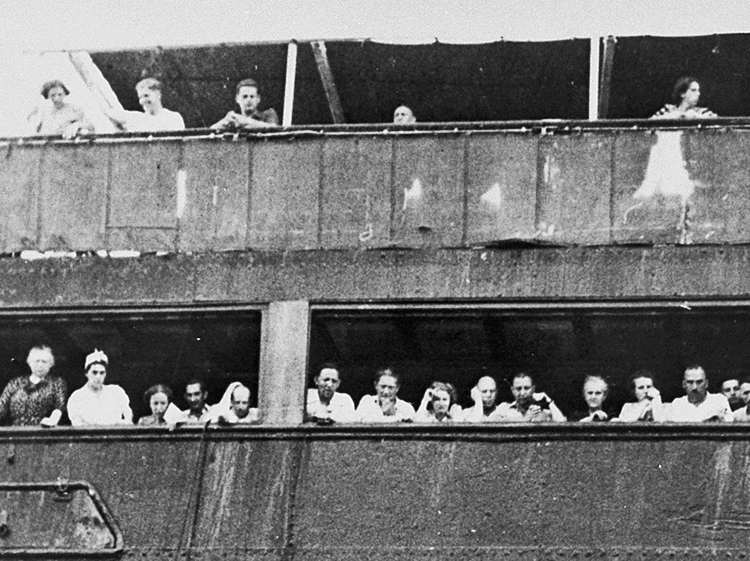 "Fleeing Nazi terror, over 900 Jewish refugees on ship St. Louis in 1939. Imperialist ""democratic"" governments in Washington and Ottawa refused asylum, forcing refugees back to Europe."