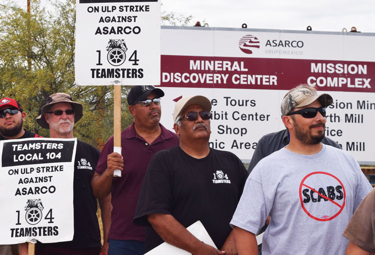 Copper strikers picket Mission mine in Arizona Nov. 11. Asarco bosses want to break the unions.
