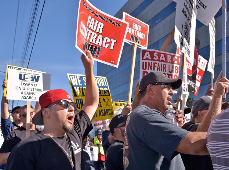 Protesta obrera el 18 de noviembre frente a la sede de Asarco en Tucson, Arizona en solidaridad con los trabajadores del cobre en huelga para defender su sindicato.