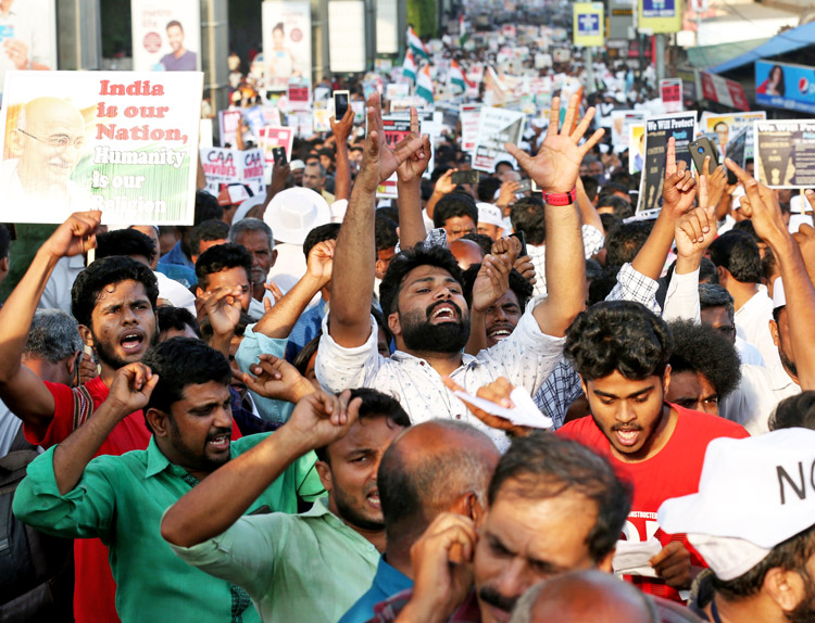Rally in Kochi, India, Jan. 1 protests government moves to undercut united, secular state.