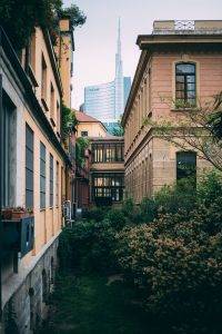 Da Centrale a Gae Aulenti, il raggio immobiliare dei millennial a Milano (Mourad Saadi per Unsplash)