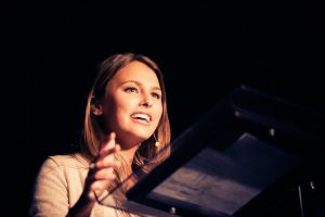Yael Cohen, la millennial che insegna a mandare a fanculo il cancro