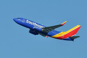 Southwest Airlines employees protest COVID-19 vaccine mandate outside Dallas headquarters