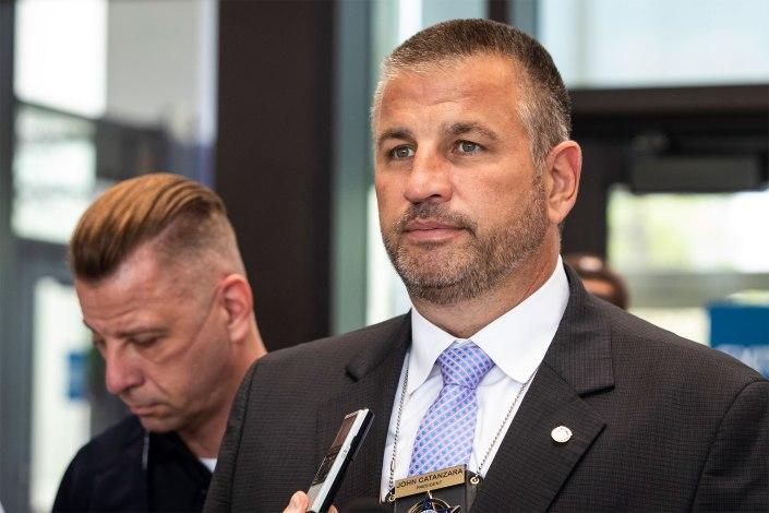 Chicago police union boss tells cops to defy COVID-19 vaccine mandate