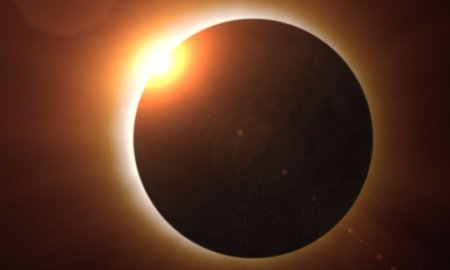 The moon eclipses the sun in the total solar eclipse of 2017.