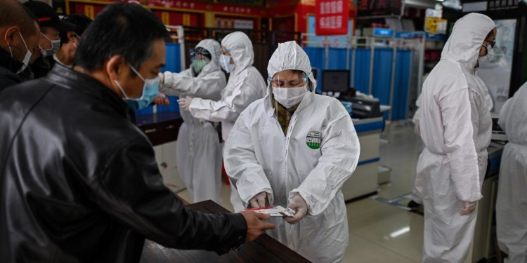 China reports 11 new COVID-19 cases