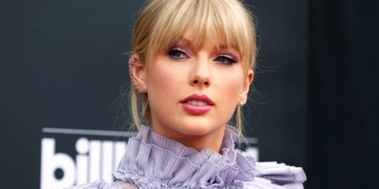 This is why Taylor Swift is rerecording her first six albums