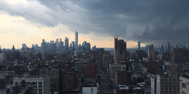 Dramatic Timelapse Shows Massive Thunderstorm Rolling Through NYC