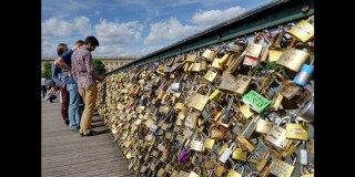 Paris Will Auction Off 'Love Locks' To Help Refugees