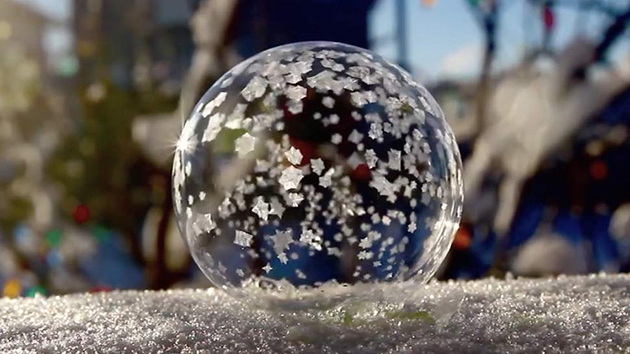 He Makes A Soap Bubble In The Freezing Cold. The Results? Pure MAGIC!!