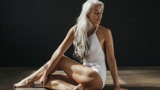 Have a look at this 61 year old woman to know that you need not be young to sport a swimsuit!