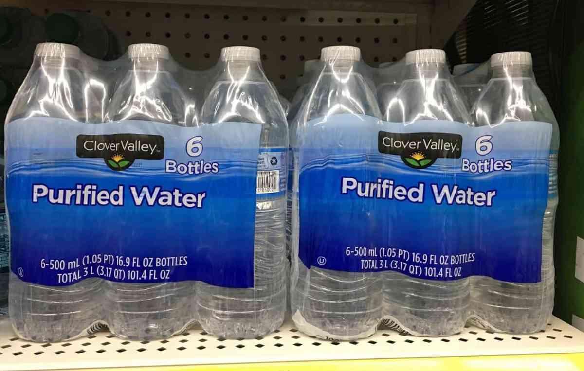 Agua purificada en envases: comida real frente a comida falsa