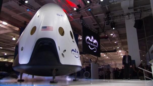 Το πανέμορφο διαστημόπλοιο Dragon V2.
