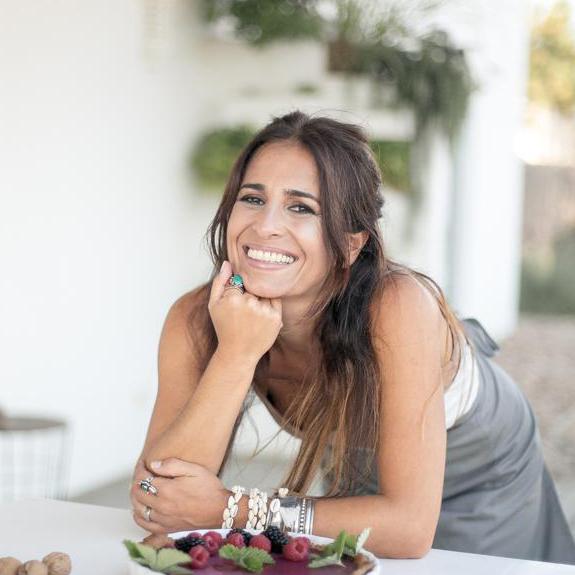 Eunice Van Uden - The Minimal Magazine AuthorEunice Van Uden - The Minimal Magazine