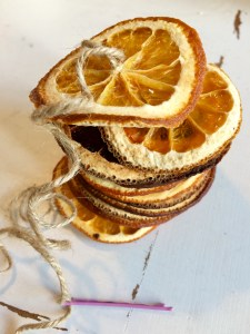 Citrus and twine with a hair grip