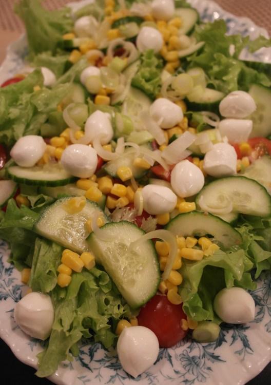 Klassik grøn salat med mozzarella