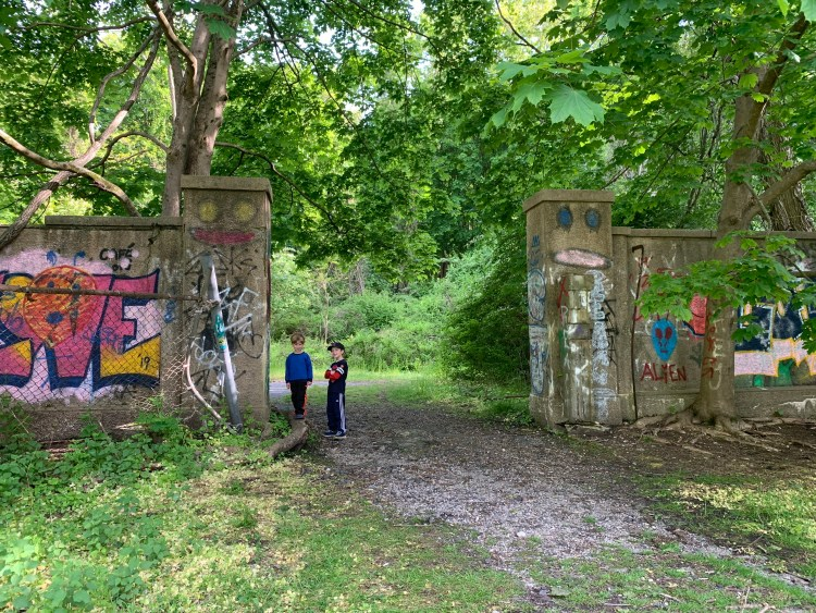 Family Hikes on Long Island - The Mint Chip Mama - Muttontown Preserve